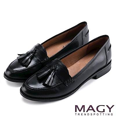 MAGY 文青學院風 蠟感流蘇真皮樂福鞋-黑色