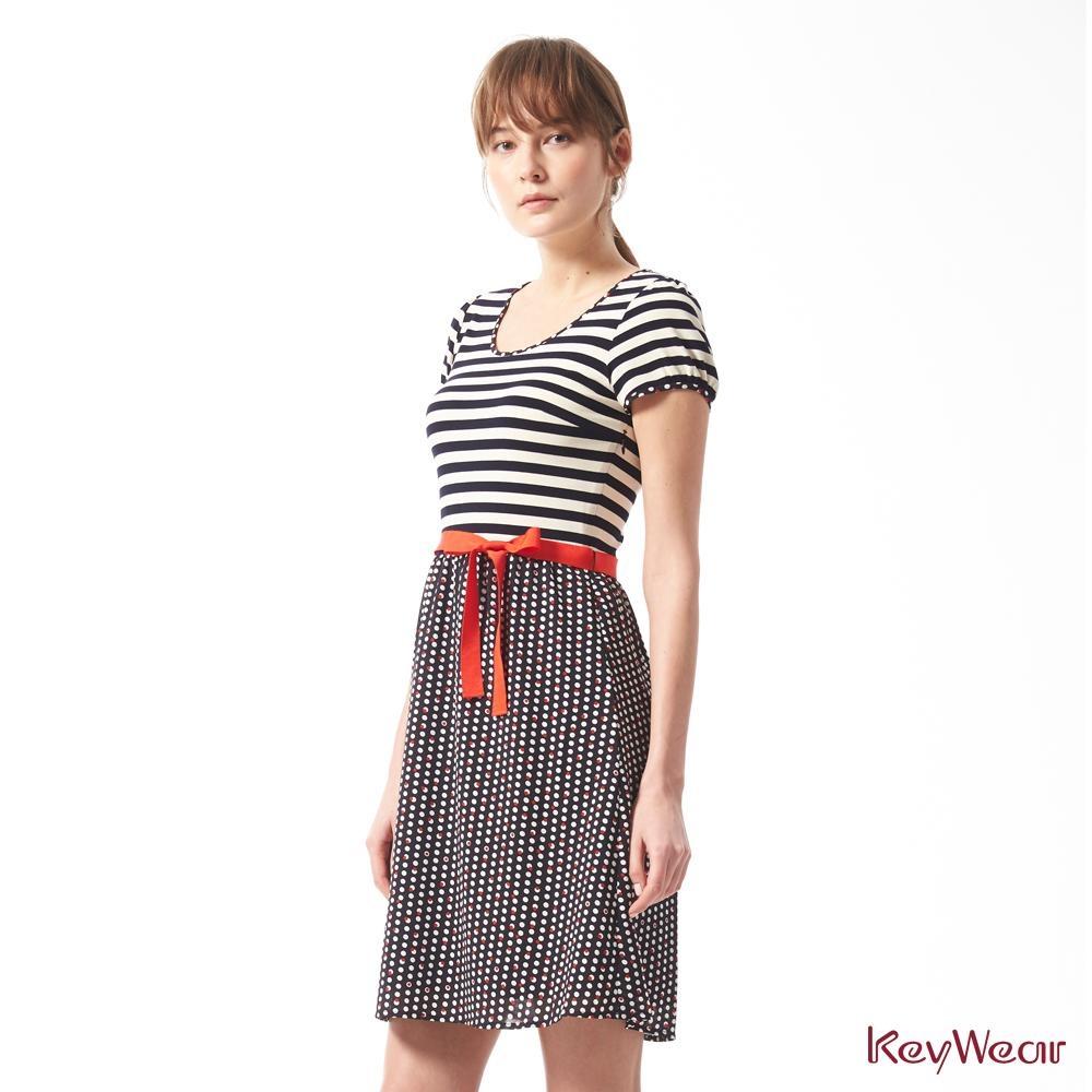 KeyWear奇威名品    水玉點點撞條紋休閒短袖洋裝-藍黑色
