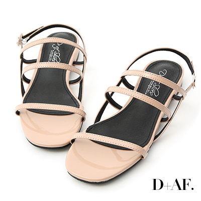 D+AF 仲夏焦點.三條帶漆皮低跟涼鞋*杏