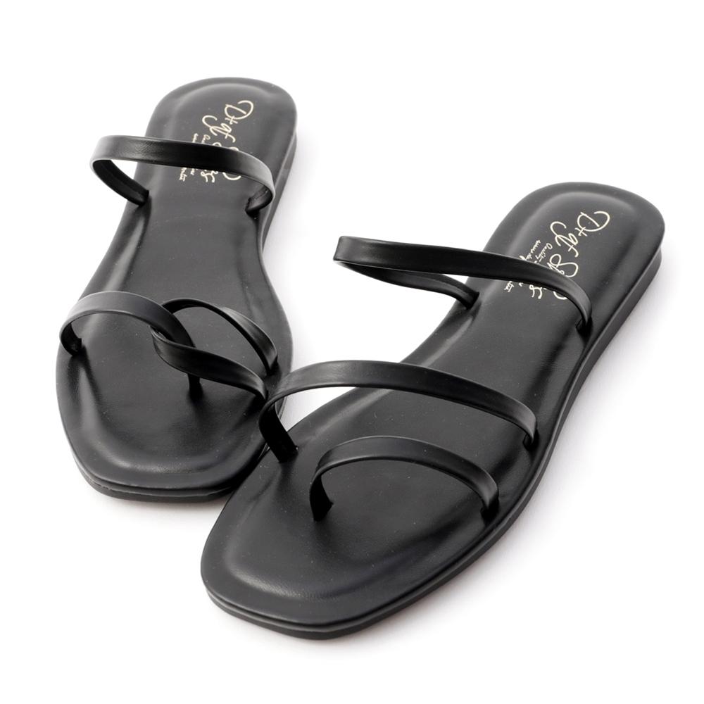 D+AF 獨特夏氛.不對稱設計平底涼鞋*黑