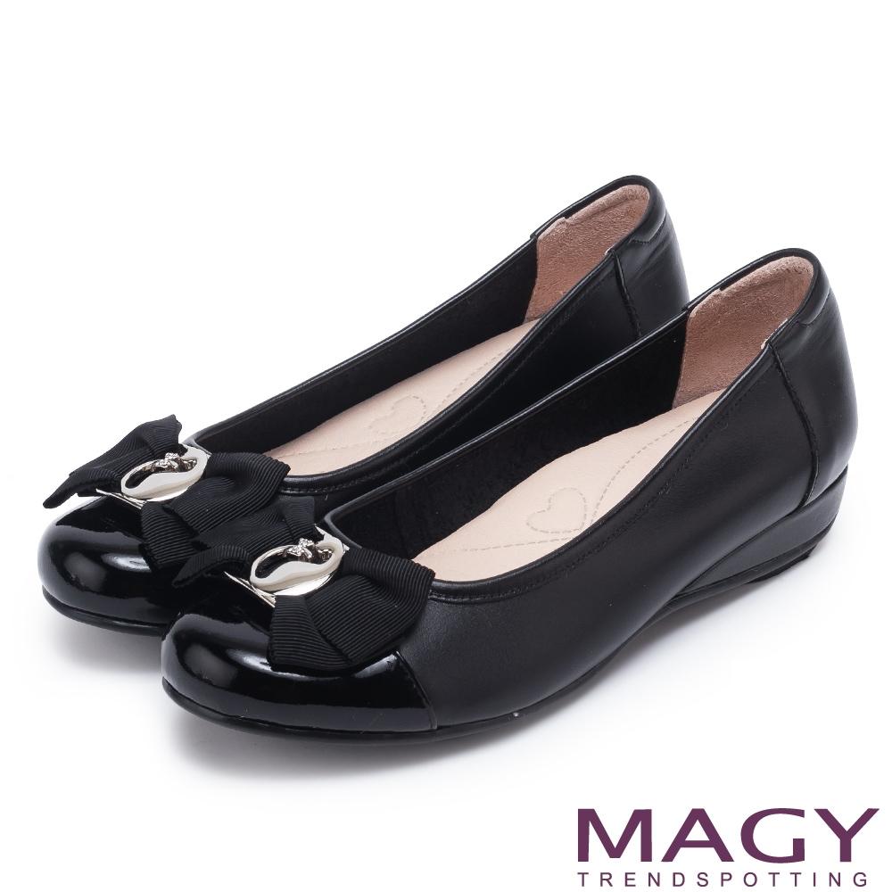 MAGY 造型五金真皮 女 低跟鞋 黑色
