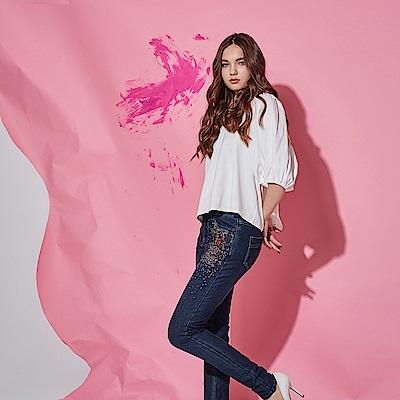 ICHE 衣哲 精緻3D立體釘珠丹寧刷色鉛筆造型牛仔長褲-藍