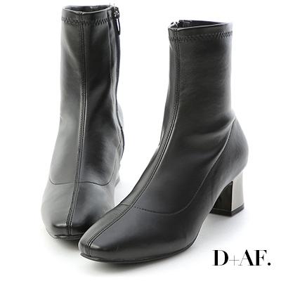 D+AF 引領潮流.素面小方頭金屬跟襪靴*黑