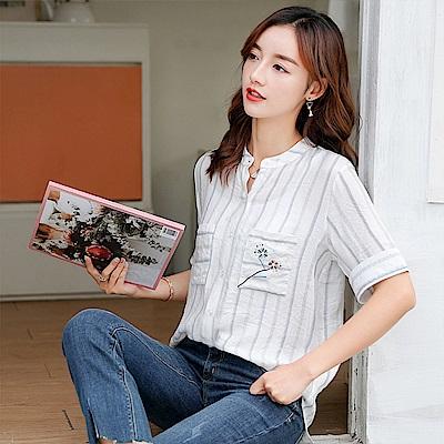 初色  口袋刺繡條紋襯衫-條紋(M-2XL可選)