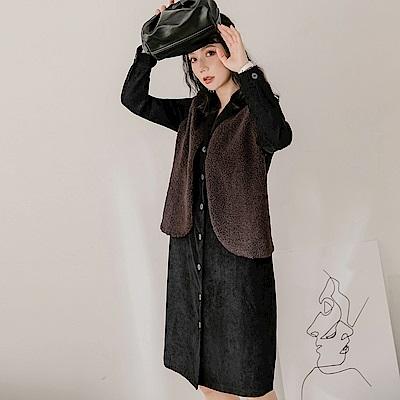 假兩件絨毛背心排釦中洋裝-OB嚴選