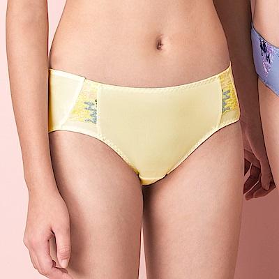 嬪婷-FTC個性女孩 M-LL 低腰三角內褲(黃)