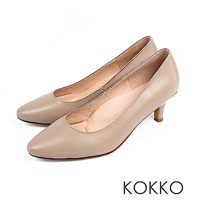 KOKKO - 理想生活羊皮圓頭素面中跟鞋-奶茶灰