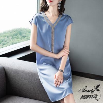 Mandy國際時尚 氣質鑲鑽釘珠流蘇裝飾V領插肩短袖洋裝 (2色)【法式服飾】