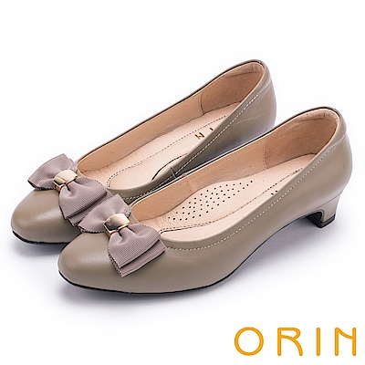ORIN 優雅甜美系 織帶蝴蝶結妝點羊皮中跟鞋-可可