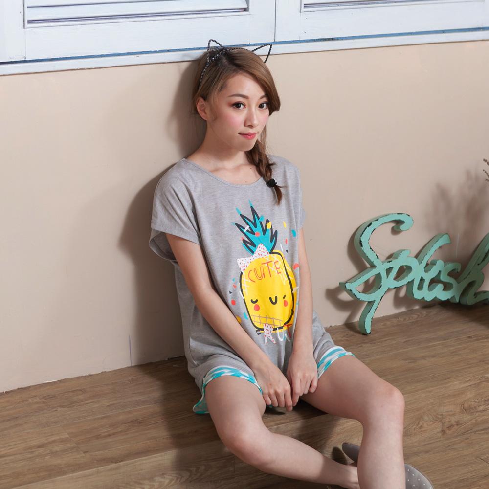 睡衣 彈性棉質短袖兩件式睡衣(C01-100552可愛鳳梨世界) Young Curves