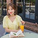 高含棉排釦設計純色拋袖V領上衣-OB嚴選