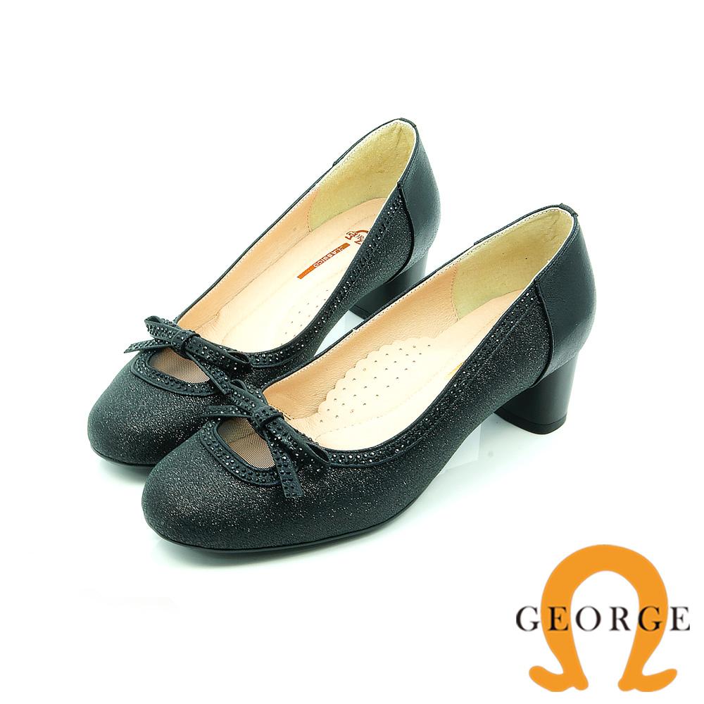 【GEORGE 喬治皮鞋】都會休閒 金蔥鏤空蝴蝶結圓頭粗跟鞋-黑
