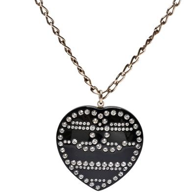 CHANEL 經典雙C LOGO水鑽鑲飾愛心造型項鍊(黑/金)