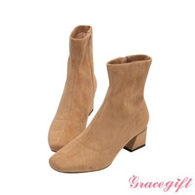 Grace gift-微方頭造型中跟短靴 駝絨布