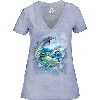 摩達客 美國進口The Mountain都會系列 海豚水晶球 V領女版短T