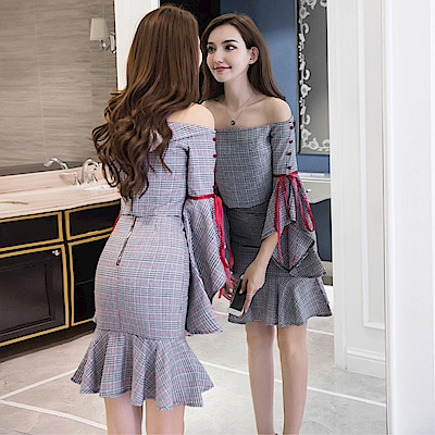 DABI 韓系一字領喇叭袖格紋魚尾裙套裝長袖裙裝