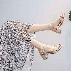 LN 現貨 簡約優雅交叉露趾中粗跟涼鞋-2色