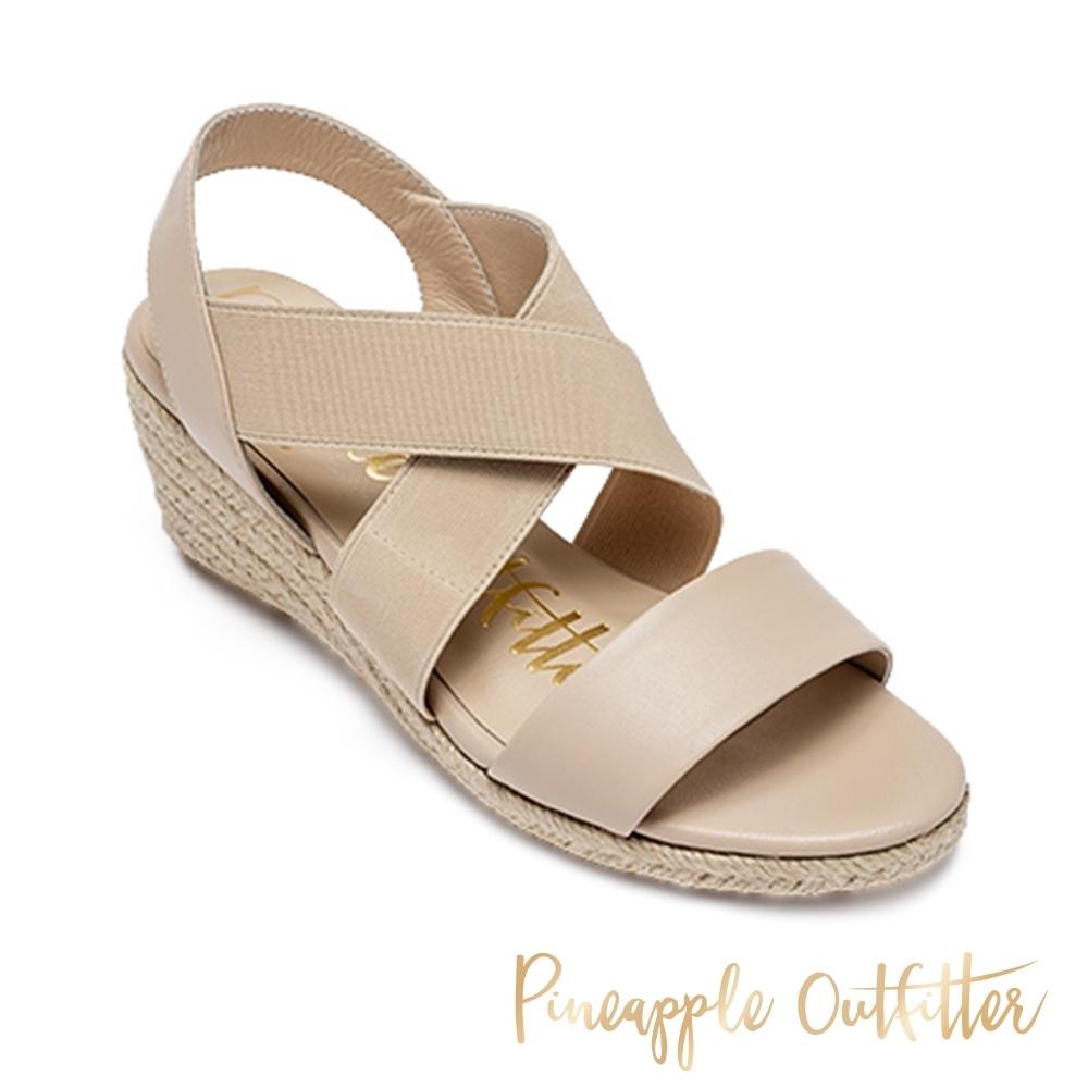 Pineapple Outfitter 休閒一字交叉楔型涼鞋-米杏色