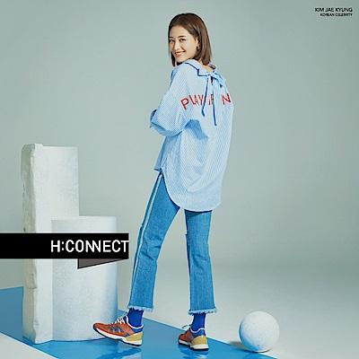 H:CONNECT 韓國品牌 女裝-微破不收邊小喇叭褲-藍
