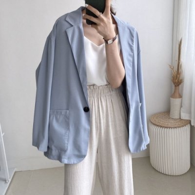 La Belleza素色翻領雙口袋單釦滑料絲棉薄款西裝外套