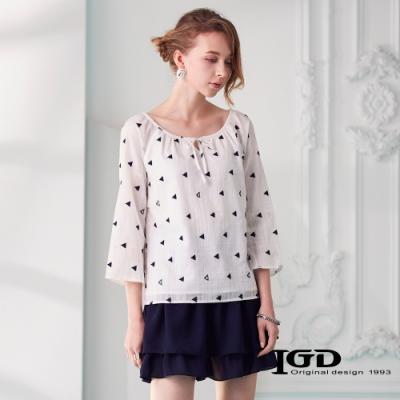 IGD英格麗 幾何繡線寬領上衣-白色
