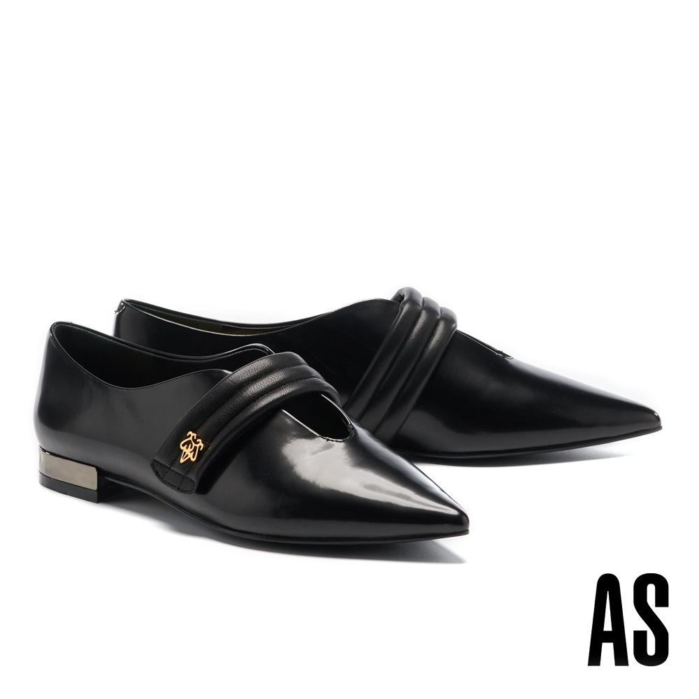 低跟鞋 AS 復古潮流新經典金屬 LOGO 牛皮尖頭低跟鞋-黑