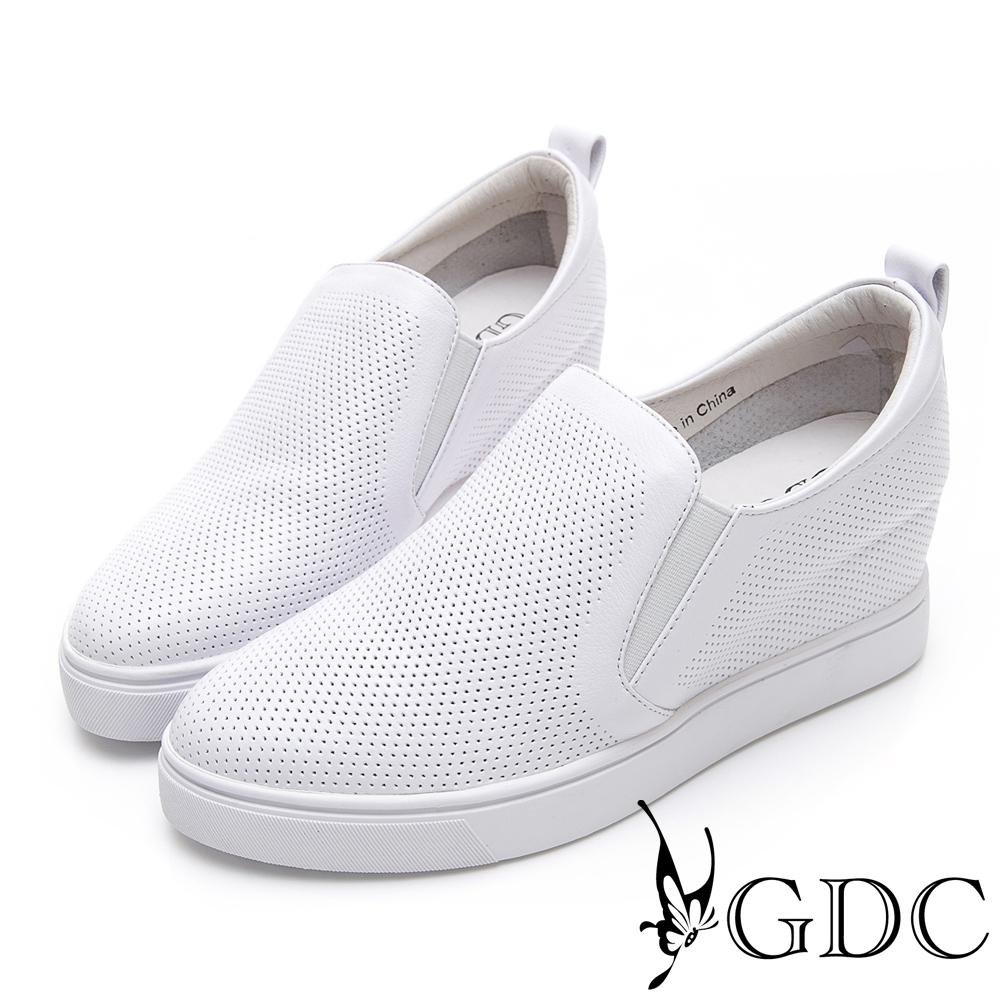 GDC-真皮舒適沖孔基本素面內增高休閒鞋-白色