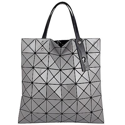 ISSEY MIYAKE 三宅一生BAOBAO跳色背帶三角方格6x6透光手提包(灰色)