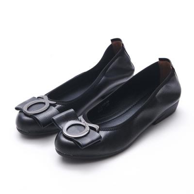 A one  通勤上班符號飾釦蝴蝶結低跟包鞋-黑色
