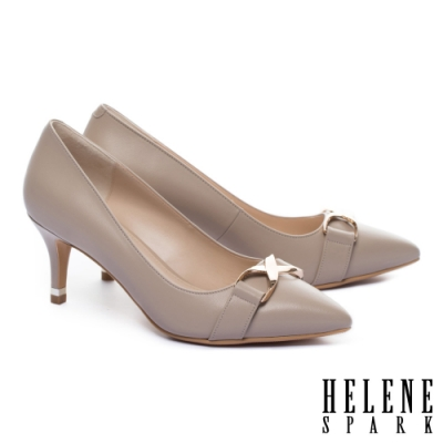 高跟鞋 HELENE SPARK 時髦個性金屬釦羊皮尖頭高跟鞋-米
