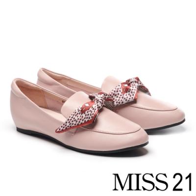 低跟鞋 MISS 21 經典印花緞布全真皮樂福內增高低跟鞋-粉