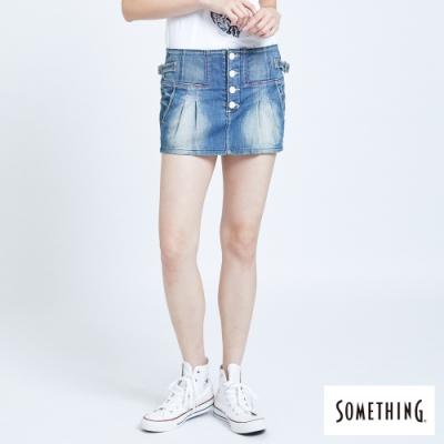 SOMETHING 低腰打褶 牛仔短裙-女-漂淺藍