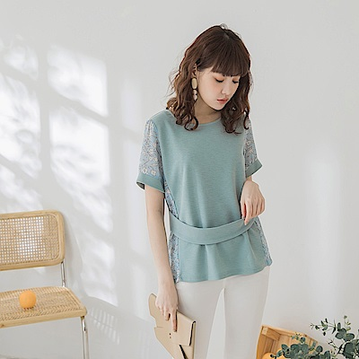 親膚彈性手繪層次印花拼接腰封短袖上衣-OB大尺碼