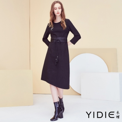 【YIDIE衣蝶】小鹿水鑽裝飾綁帶腰封橫條洋裝