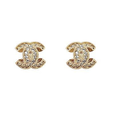 CHANEL香奈兒 經典雙C LOGO 鑲嵌水鑽線條壓紋金色小耳環