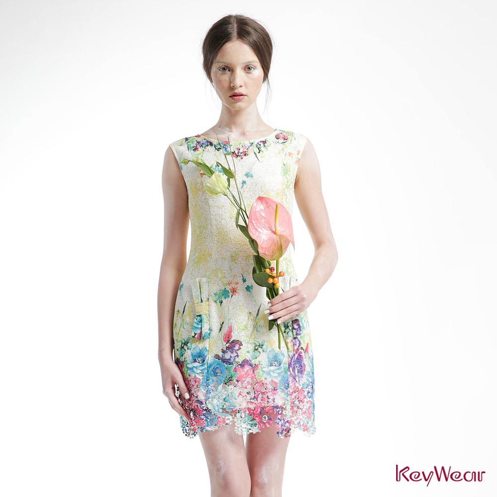 KeyWear奇威名品    緞花蕾絲合身無袖洋裝-綜合色