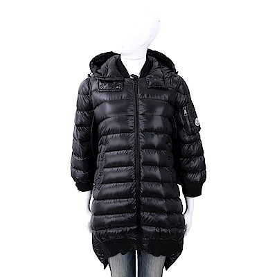 MONCLER 斗篷式絎縫黑色長版連帽羽絨外套(女款)
