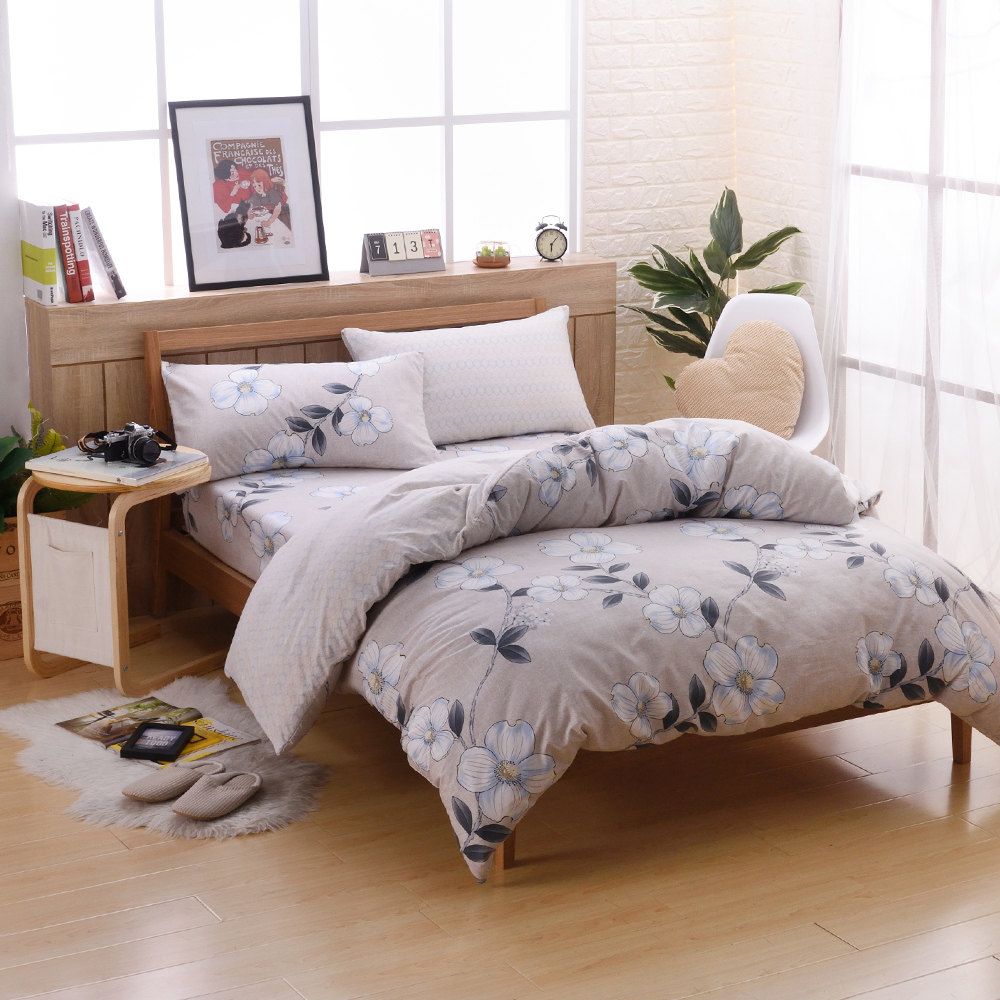 喬曼帝Jumendi 台灣製活性柔絲絨加大四件式兩用被床包組-花香迷情