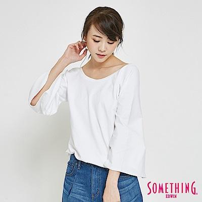 SOMETHING 簡約大U領喇叭袖T恤-女-白色