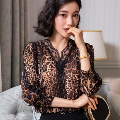 設計所在Lady-V領上衣長袖寬鬆豹紋雪紡衫(二色M-3XL可選)