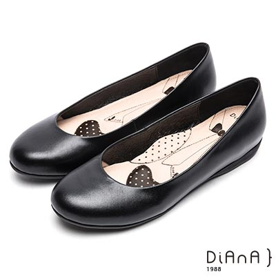 DIANA素面真皮圓頭2公分制鞋-漫步雲端超厚切領帶款-黑