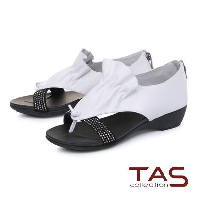 TAS閃耀燙鑽抓皺拼接夾腳後包涼鞋-時尚白