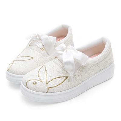 PLAYBOY 浪漫來襲 蕾絲亮片布厚底休閒鞋-白