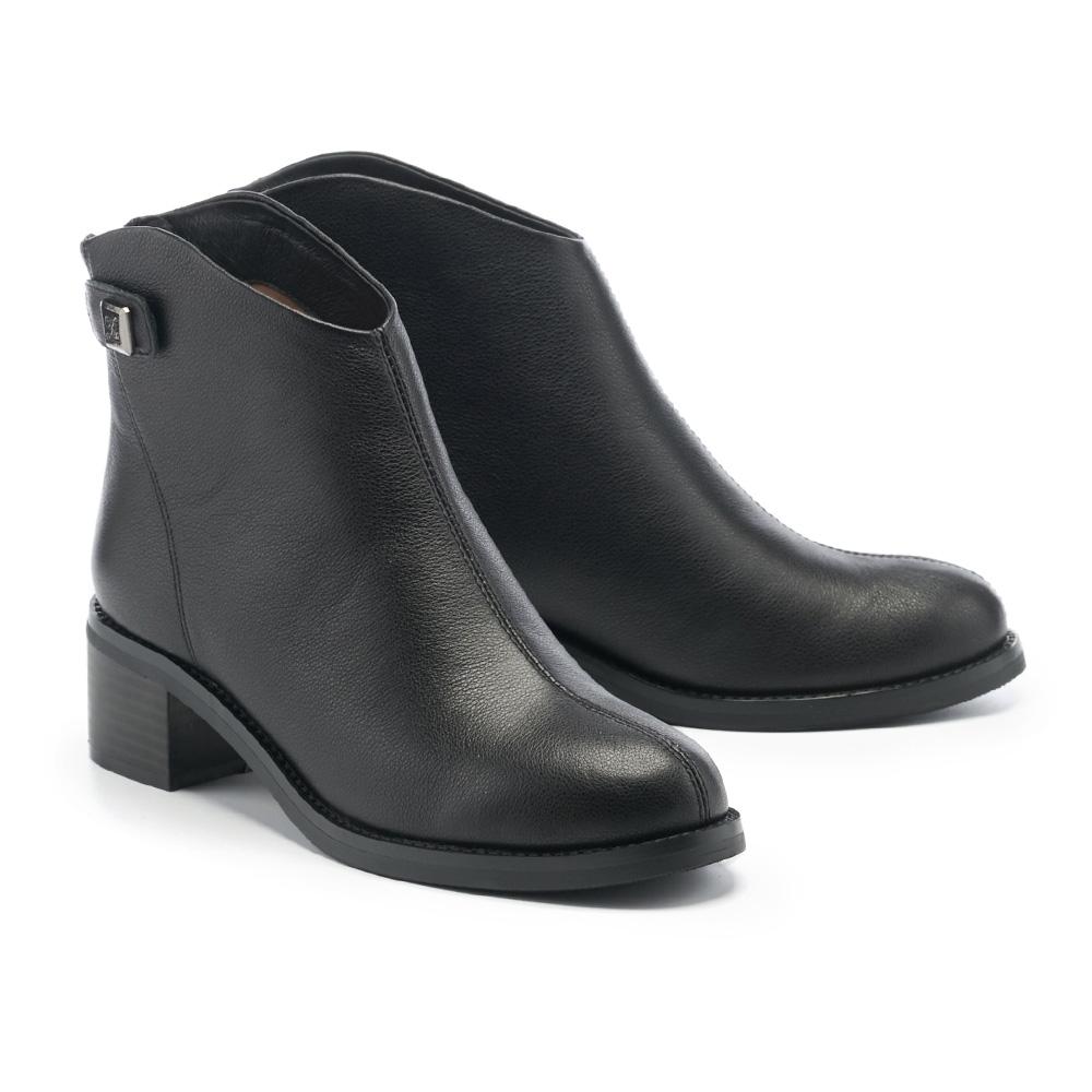 短靴 MELROSE 時髦質感牛皮純色造型高跟短靴-黑