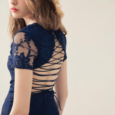 AIR SPACE 交叉美背V領雕花蕾絲短洋裝 (藍)