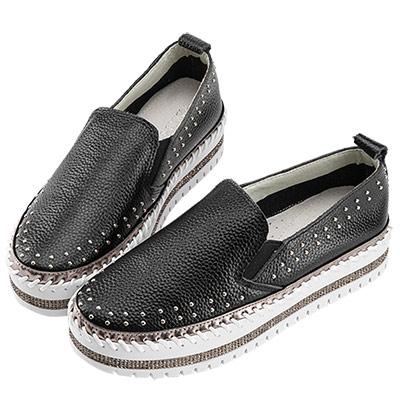 Robinlo & Co.休閒感環繞鉚釘牛皮休閒鞋 黑