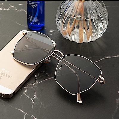 尚佰家 寶麗萊鏡片女款流行抗UV太陽眼鏡-金框黑色(390)