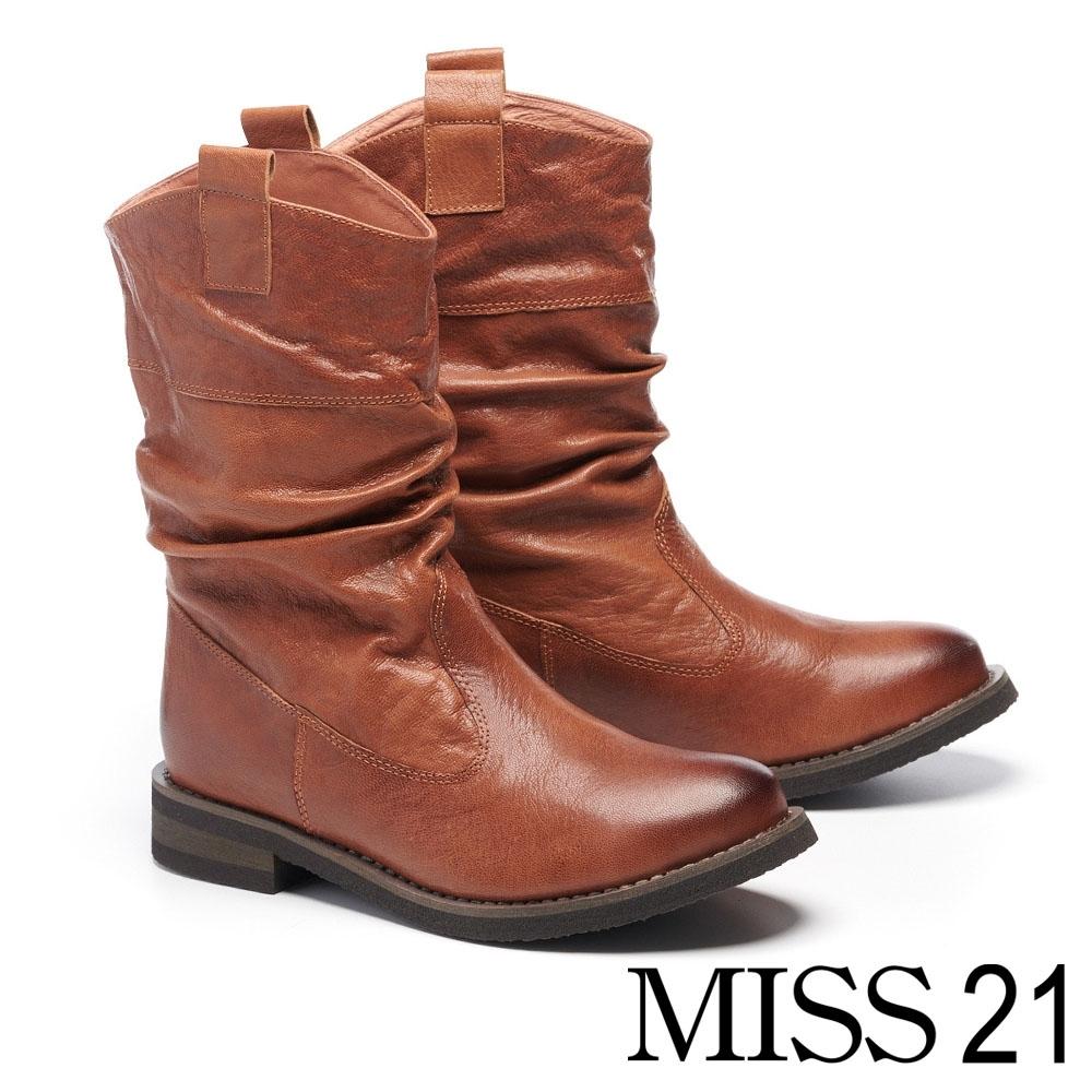 中筒靴 MISS 21 經典率性自然風抓皺羊皮粗低跟中筒靴-咖