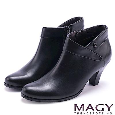 MAGY 復古時髦 反折鉚釘牛皮高跟裸靴-黑色