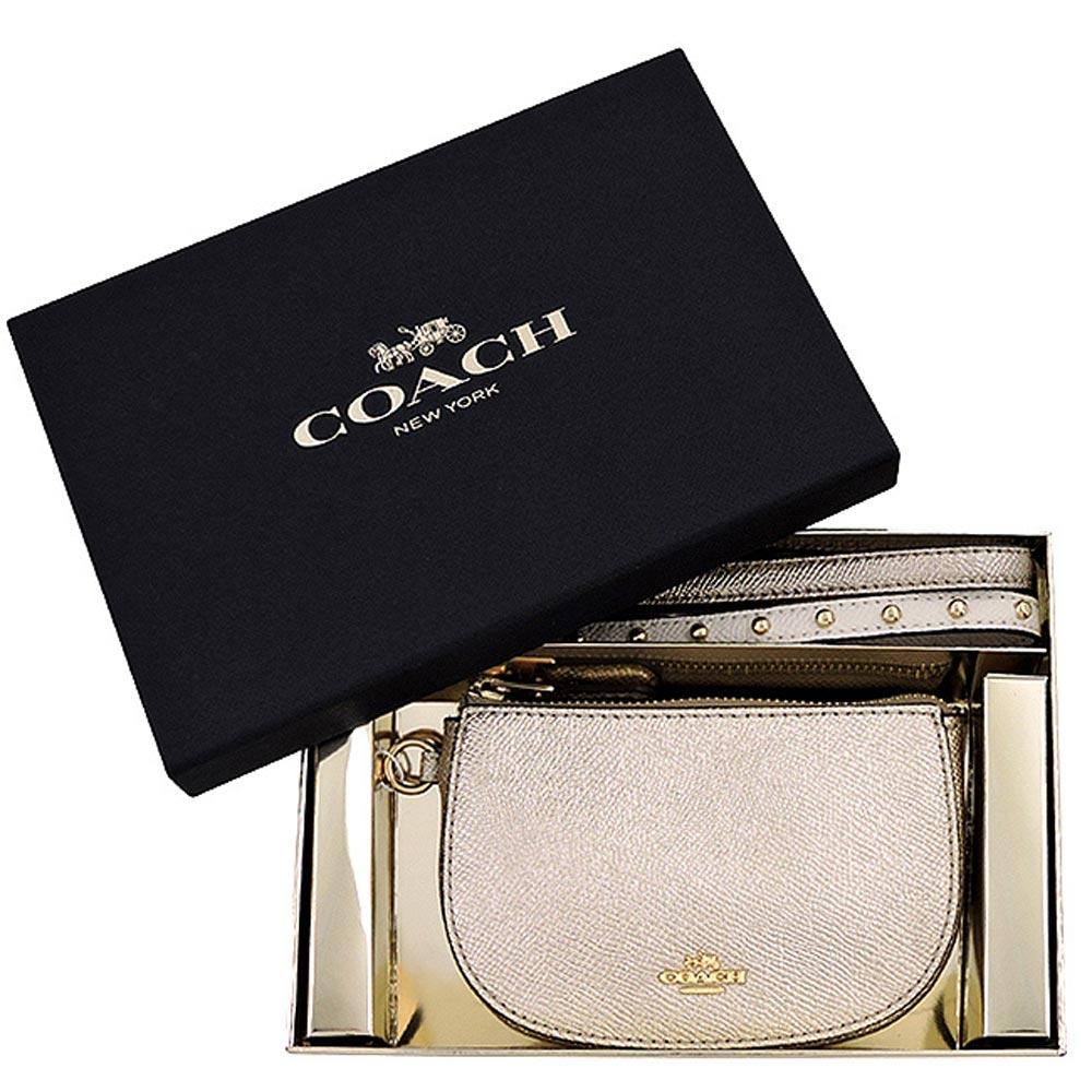COACH 金色鉚釘彎月手拿包禮盒組-附雙提帶COACH